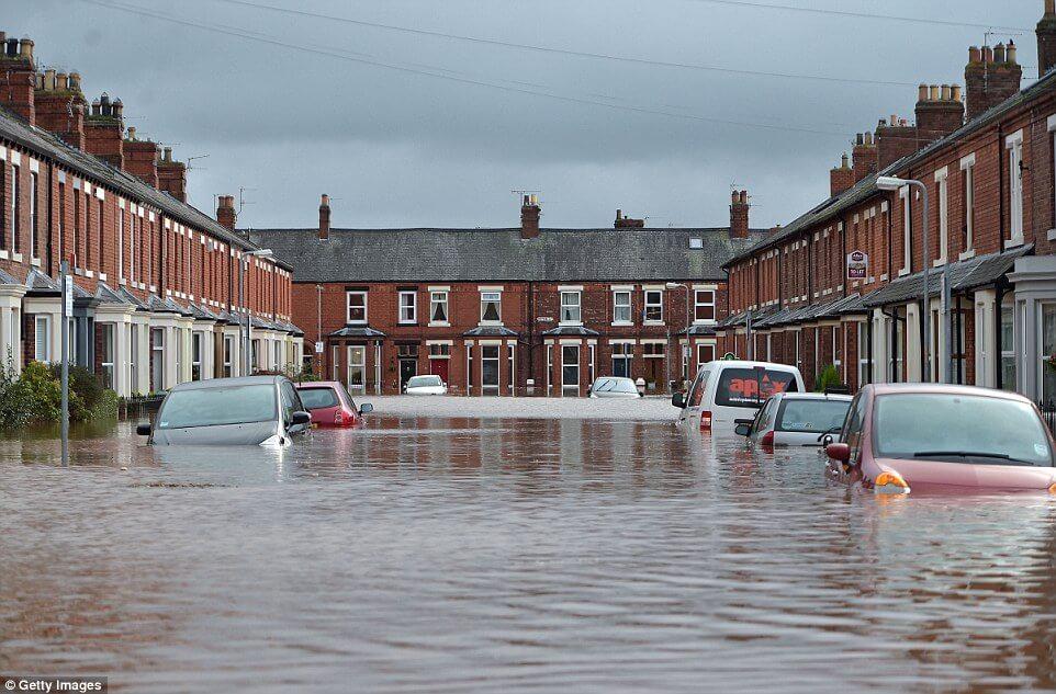 cumbria flood bride battles - 962×633